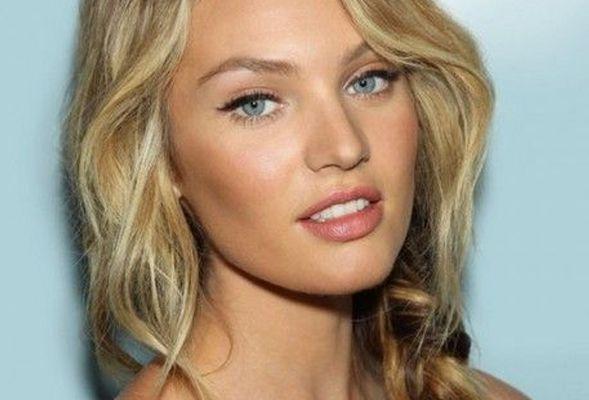 Er bestaan veel manieren om foundation aan te brengen. Een favoriete, snelle en makkelijke manier van vele visagisten is het aanbrengen met een vochtige spons. Dit zorgt voor een egale look zonder rare vlekken of vegen en door de spons zachtjes over je gezicht te deppen smelt de foundation samen. Voor meer tips ga naar www.budgi.nl #schoonheid #beauty #foundation #make-up #gezicht #huid #blush #lipbalsem #crème #tips #goedkoop #besparen #budget #budgi