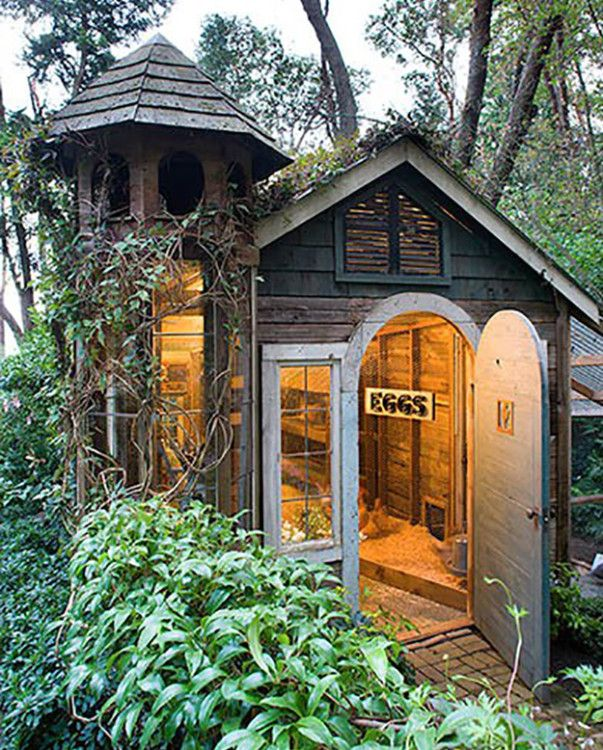21 Of The Most Unique Chicken Coops..... but they're so cute, they could be tinies!