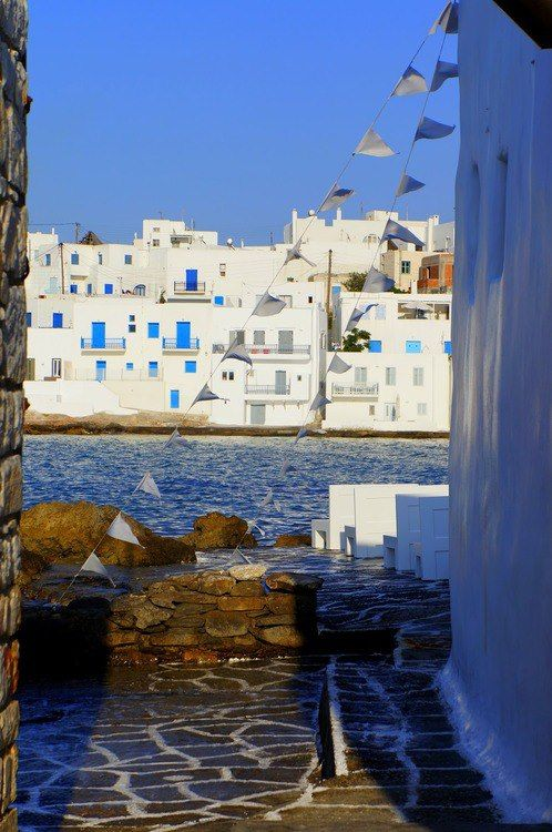 Shades & Sunlight     Paros Island    Greece Art & Architecture