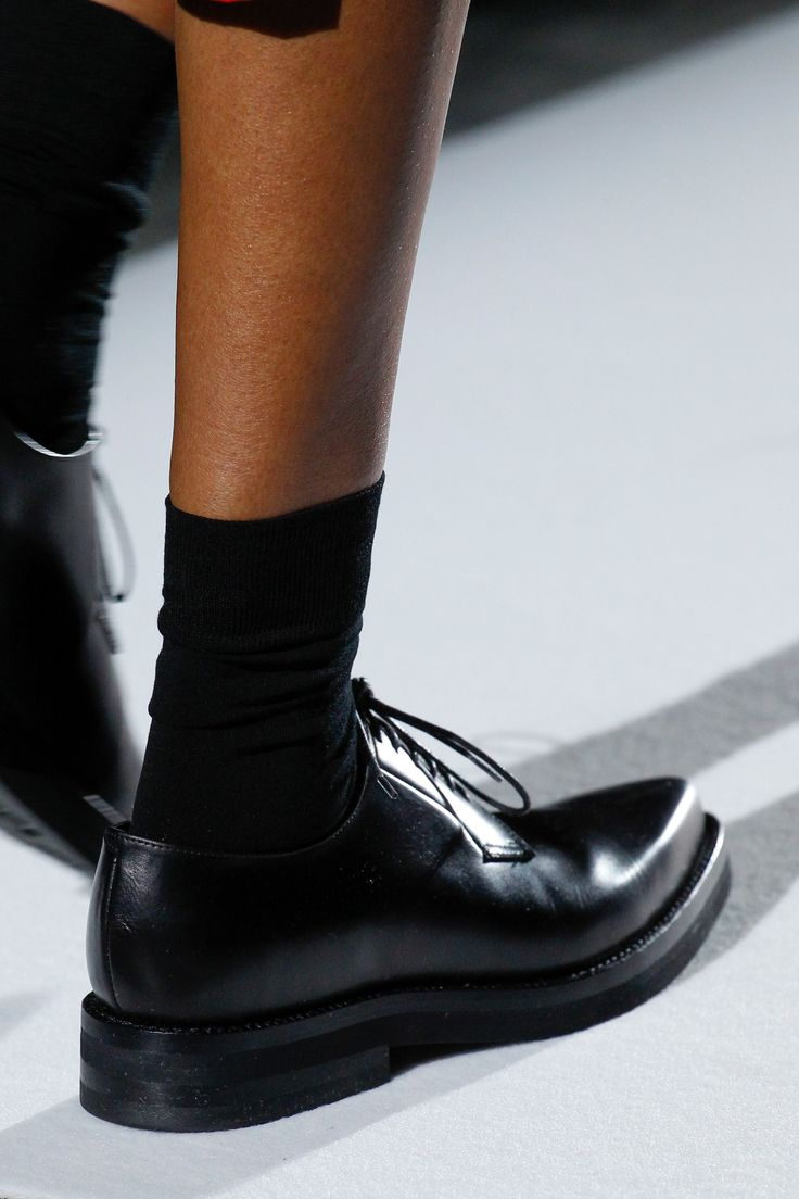 Dries Van Noten Fall 2017 Ready-to-Wear Accessories Photos - Vogue