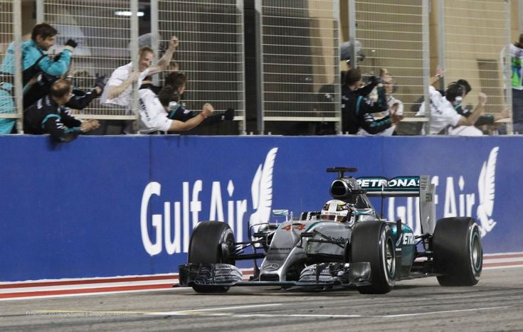 Lewis Hamilton, Mercedes, Bahrain International Circuit, 2015