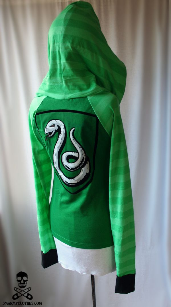 Slytherin! I need this hoodie in my wardrobe!!! Seriously in love with this sweater