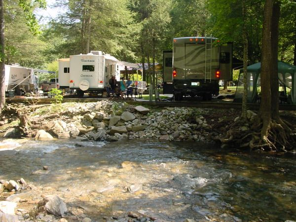 best 25 rv campgrounds ideas on pinterest rv campgrounds near me rv parks camping and rv parks. Black Bedroom Furniture Sets. Home Design Ideas
