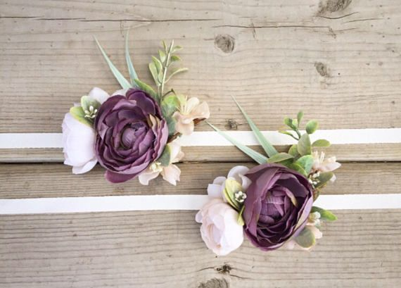 Gorgeous silk flowers attached to a cream ribbon. $20 each. All orders can be fully customized Final sale Approximate shipping time: Within Canada 1-2 weeks Outside of Canada 2-3 weeks