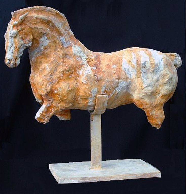 """Constelación del Caballo"" by Lina Binkele. Menor Bronze, 16"" x 17"" x 6"". Almost abstract, and yet evokes the sculptural marbles of the ancient Greeks. #horse #art #sculpture"