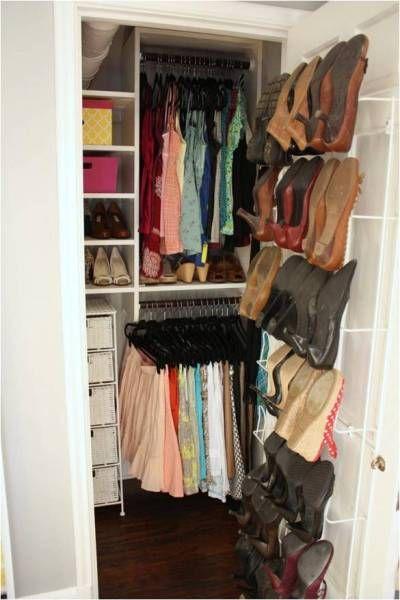 Learn How To Organize A Small Closet | www.prakticideas.com