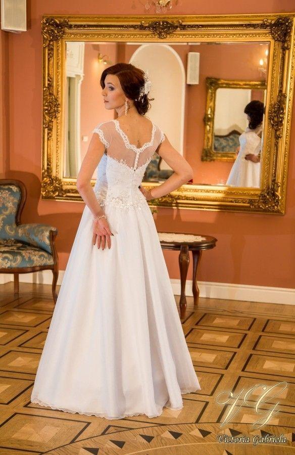 Suknia ślubna nr 2 z kolekcji Toscana #victoriagabriela #weddingdress