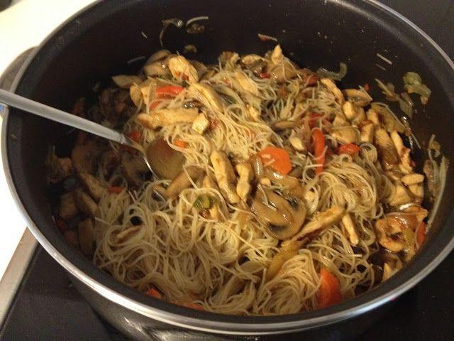 Secretitos de Tocador: Recetas: Fideos chinos con pollo, verduras y salsa de soja