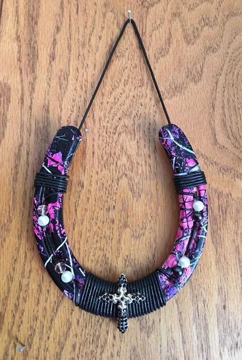 "Horse Shoe Hydro dipped in ""Muddy Girl Camo""....Accents done by Tocco Di Eleganza, LLC.  Hydro dipped by HydroImages.  $24.99  SOLD!!!!"