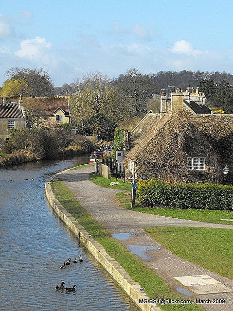 Kennet & Avon Canal - Bath, England - some people walk from Bath to here at Devizes