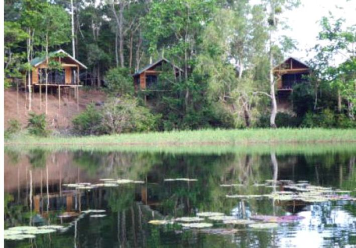 Lake Murray in Western Province is the largest lake in PNG and during wet season it expands to five times its usual 650 square kilometre area.  http://www.pagahillestate.com/the-natural-beauty-of-western-province/