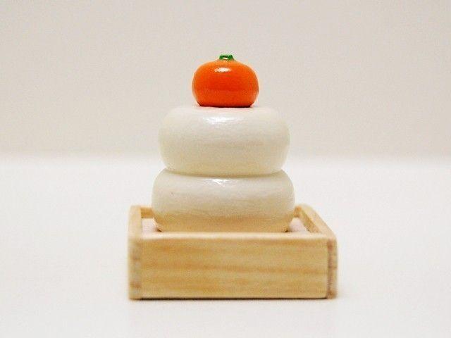 Shogatsu in Japan - round rice cake - Kokesi[1]