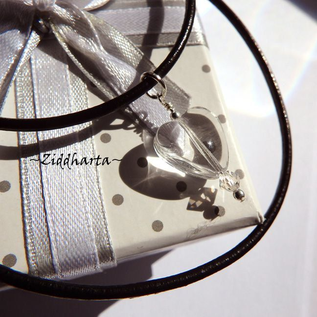 Crystal Heart Necklace Swarovski Necklace Halskette Heart Kragen Hjärta Clear Halsband Necklace - Handmade Jewelry Necklaces by Ziddharta by Ziddharta on Etsy