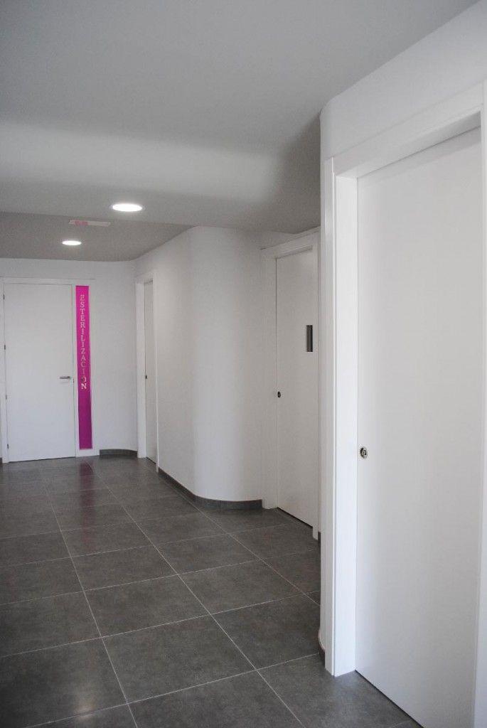 Clinica Dental Dra Castro Curvas en el pasilllo, fuera esquinas!!