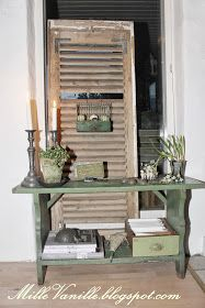 Old green bench... Lovely colour
