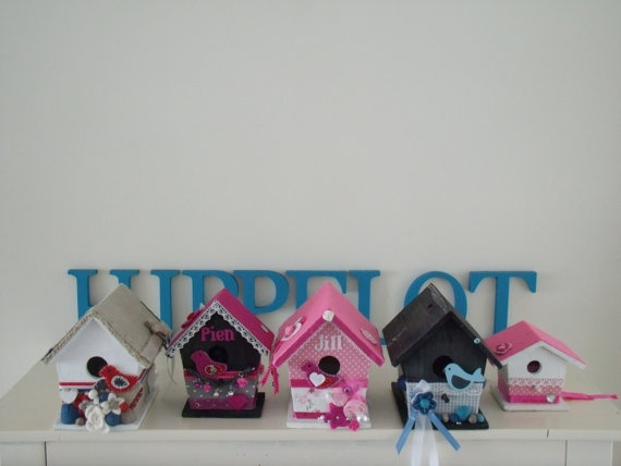decorated birdhouse by Hippelotshop on Etsy, €17,50