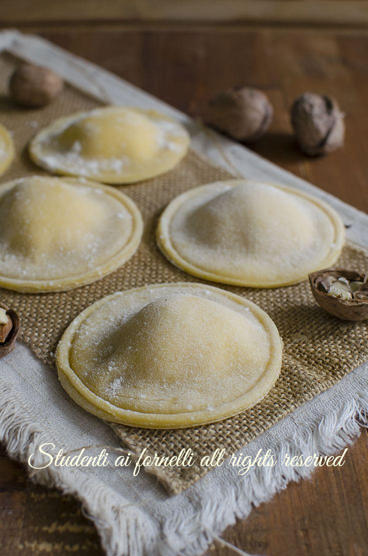 ravioli noci e ricotta ricetta-ravioli-fatti-in-casa-facili