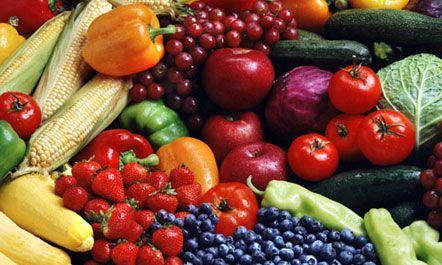 Si të pastroni frutat dhe perimet nga pesticidet