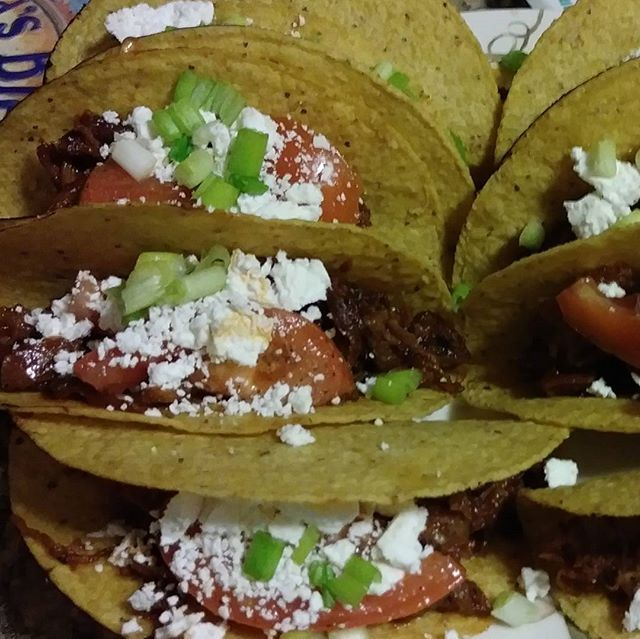 Reposting @freshfitlocal: Beef tacos I cooked a huge beef roast for 5 hours then I shredded it cut it up put pieces in a frying pan fried it up with some tomato paste catch up honey Worcestershire sauce bunch of different seasons that is my homemade barbecue sauce recipe you're welcome and then after that I put it in the store bought taco shells toasted in the oven top with feta cheese chives and tomato enjoy. #foodblogger #amazing #beef #feta #delicious #delish #foodies #dinner #eat #tacos
