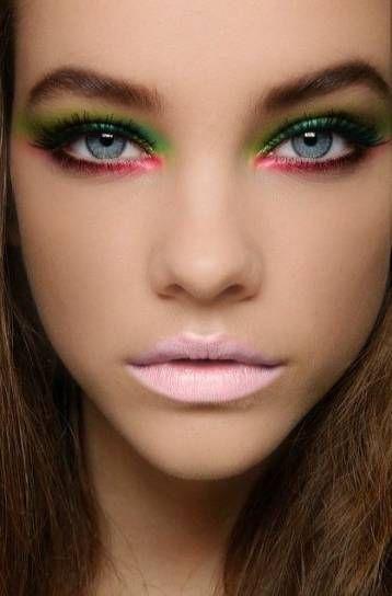 Trucco occhi rosso verde e giallo