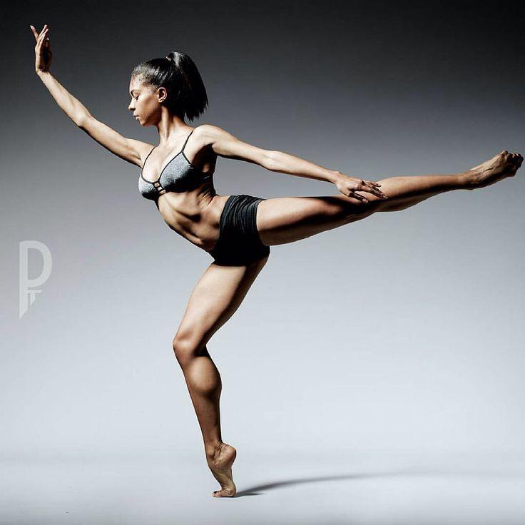 Balance  Need CV or Audition Images ? Contact at info@pickledthoughts.Net  #ballet #ballett #worldwideballet #Ballerina #pointe #pointemagazineofficial #dancephotography #dancepost #instadance #igfordancers #worldwideballet #worldofbalerinas #mode #Berlin