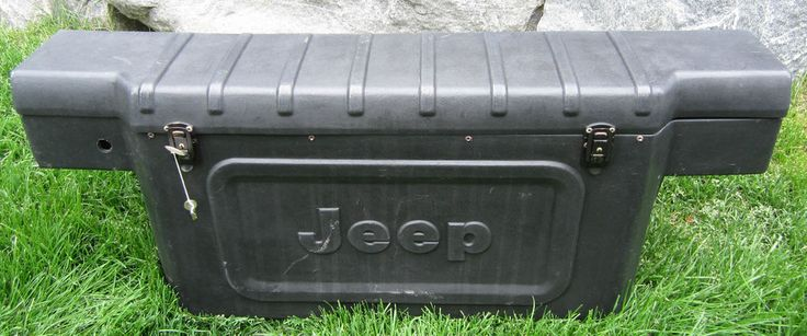 vintage jeep cj7 1976 1986 rear plastic storage tool box with keys oem jeep cj7 vintage and. Black Bedroom Furniture Sets. Home Design Ideas