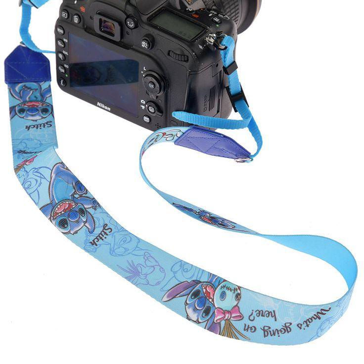 カメラストラップ スティッチ&スクランプ スケッチのご紹介です。ディズニーキャラクターグッズ公式ストアDisneystore。ファッション、雑貨、おもちゃ、文具など幅広いディズニーグッズを販売しています。プレゼントやギフトの通販にも最適です。