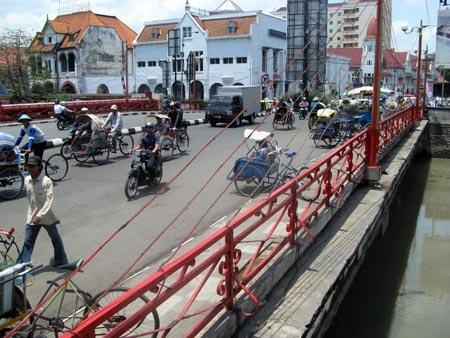 jembatan merah, surabaya -indonesia.  ( trans: red bridge, was surrounding by battle fields during 10 nov 1945)