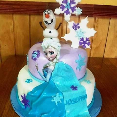 #Frozen #fondant #cake by Volován Productos  #instacake #Chile #puq #VolovanProductos #Cakes #Cakestagram #Olaf