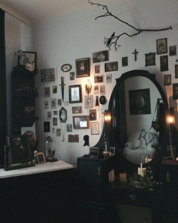 38 Latest Diy Home Decorations Ideas On A Budget For Apartment Gothic House Gothic Home Decor Goth Home Decor