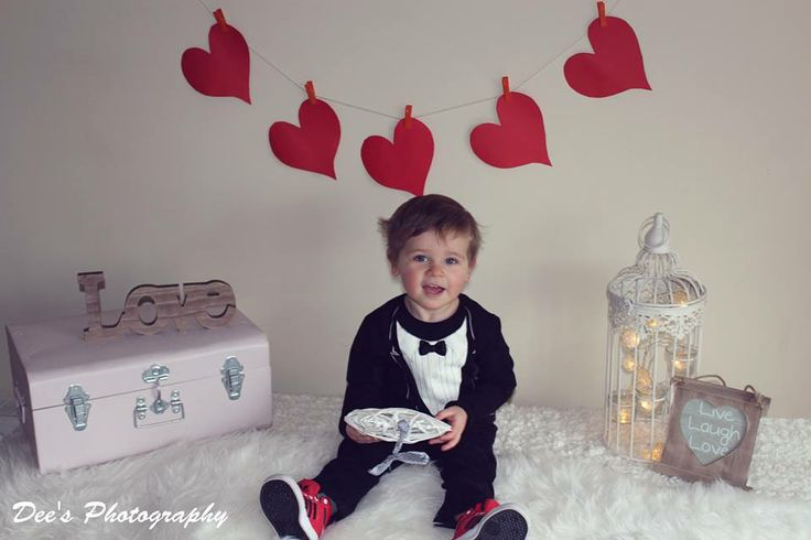 Gorgeous kids valentines mini shoot ♥ #valentines #minishoot #kid #child #photography #love #heart #suitcase #vintage #fluffy #kidsphotography #ireland #bunting #birdcage #lights