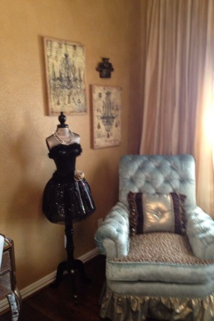 Cute sitting area in teenage girls bedroom by Donna Moss