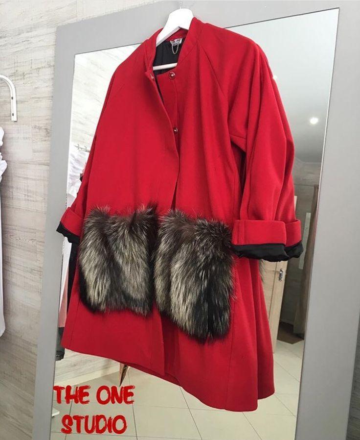 Наше бомбическое пальто ❤️с подкладом из шёлка, карманы из натурального меха(съемные), доступно к заказу в любом размере, цвета можно изменить по желанию, большой выбор, взрослое пальто 8500₽, детское 4500₽, для заказа пишите WA/Viber/Direct 89609963000доставка в другие города 2-3 дня✈️
