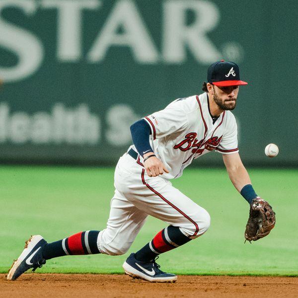 Dansby Swanson Going For Grab Dansby Swanson Atlanta Braves Baseball Atlanta Braves