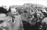 Kádár János az 1957. május 1-jei felvonuláson