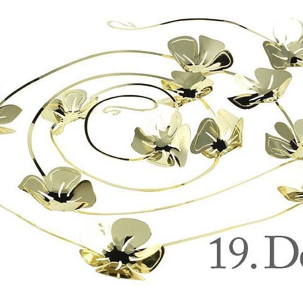 Good morning, Saturday, 19th of December and only 5 days until Christmas! The design of the day is our Flower Vine, gold. Like our Facebook page & the post of the day and you might be the lucky winner! The Flower Vine, gold costs 79,- dkk in our web-shop www.jettefroelich.dk, but for today only! (Normal price 139,-) #christmascalendar #christmasgiveaway #facebook #flowervine #jettefrölich #jettefroelich #jettefrölichdesign #jettefroelichdesign #danishdesign #scandinaviandesign