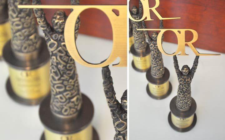 Nasza firma zaprojektowała oraz wykonała statuetki Osobowości Roku MICE Poland 2014 -przez wielu uważane, że Nobla branży eventowej. Statuetka wykonana z mosiądzu techniką odlewniczą. Jesteśmy dumni z faktu, że nasza firma zaprojektowała i wykonała te statuetki.   Statuetka-Osobowość Roku 2014, PAP-ART, statuetki, medal