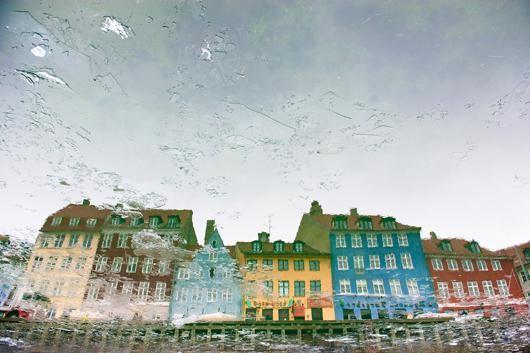 Reflection in Copenhagen af Julie Aucoin