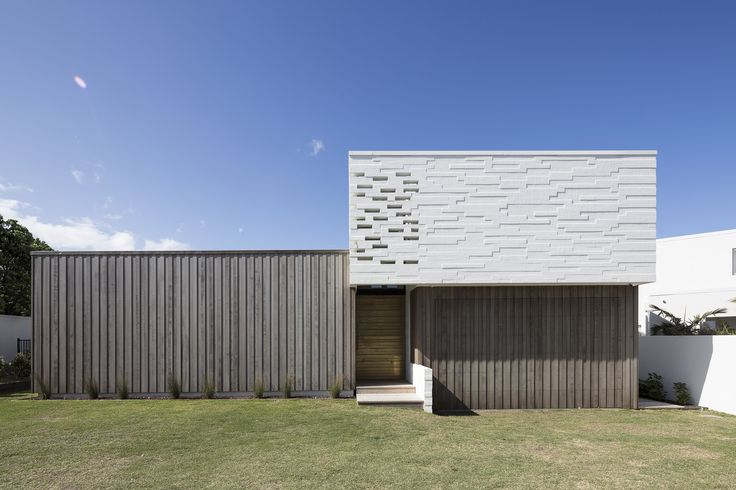 Completed in 2016 in Omaha, New Zealand. Images by Patrick Reynolds. The Tuatua house is located in a coastal subdivision. The brief required a generous family holiday home suitable for frequent guests and informal...