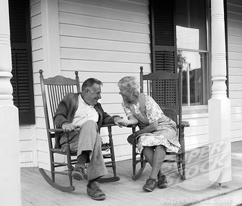 OMG! Old couple in love in their rocking chairs<3