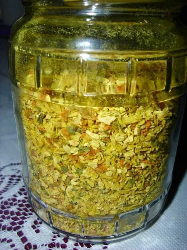 moguće je napraviti domaću Podravkinu Vegetu, bez MSG-a (Monosodium glutamat – pojačivač okusa) i bilo kakvih drugih dodatak...