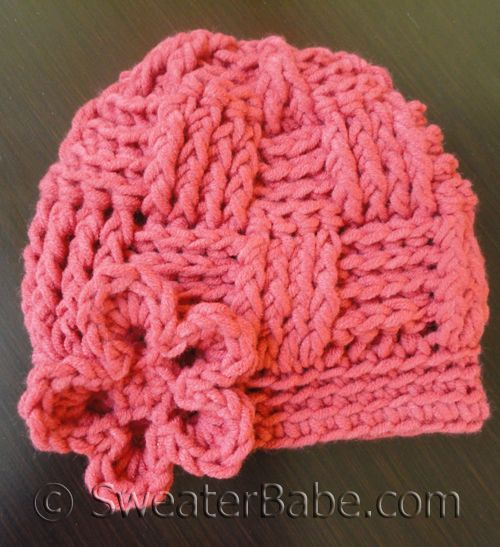My go-to baby hat pattern for last-minute baby gifts! #SweaterBabe.com #crochet