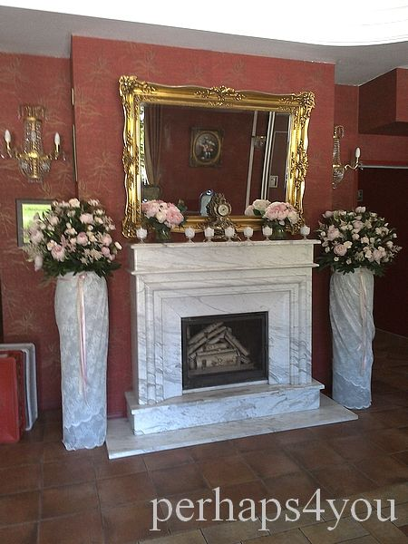 Ślubna dekoracja kominka w sali Arkadia Sochaczew