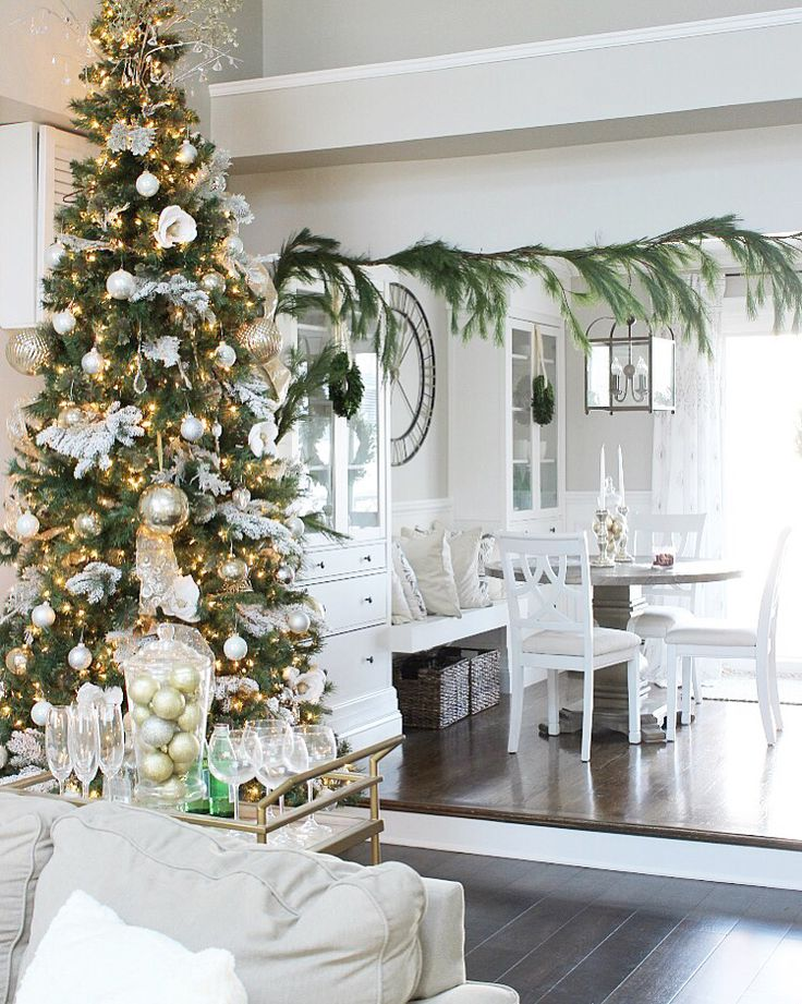 209 best Christmas Home Tours images on Pinterest | Christmas deco ...