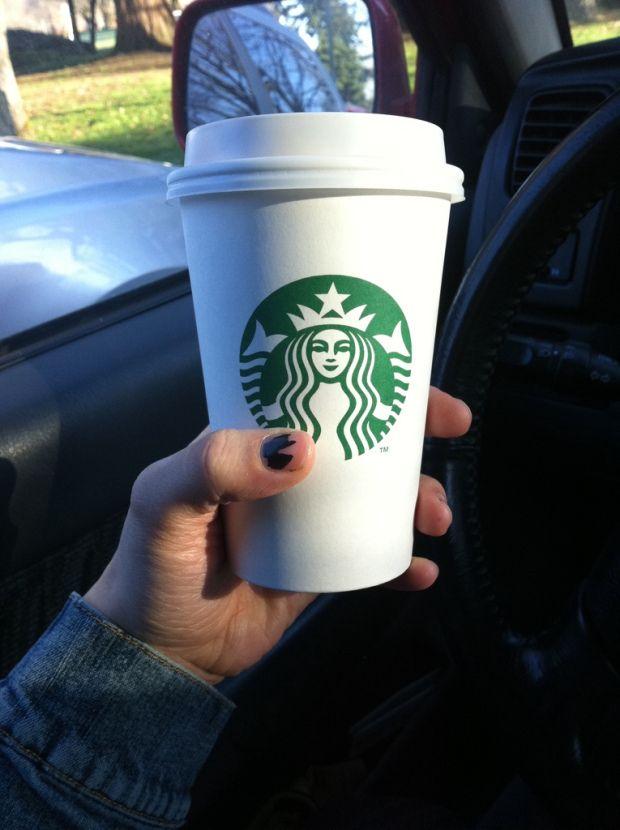LIVING THE SIMPLE LIFE Starbucks Glamor Atau Tidak