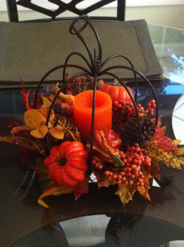 Fall centerpiece on kitchen table decorating ideas for Kitchen table arrangement ideas