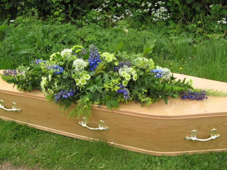Flora Button natural funeral flowers Leicestershire