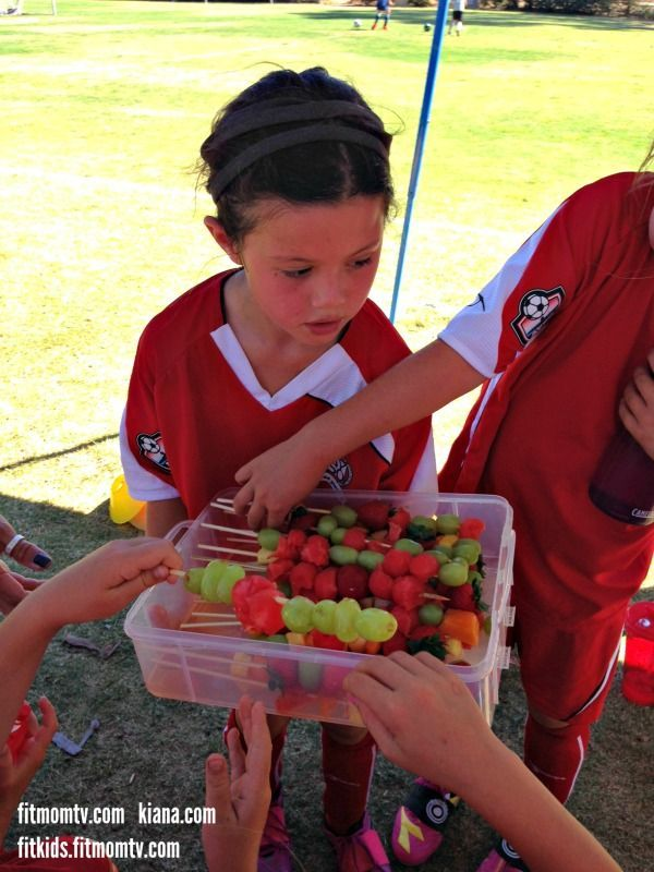Share :) Juicy Fit Mom Fruit Kabobs Healthy Snacks for my daughter's Soccer Team! ️️️ My 7 year old daughter has been playing soccer since she was 4 years old.  She and I discuss what healthy snacks her team mates would enjoy at half time and after the game.  Then we go to the market and make the snacks together.  She is so excited to hand out the snacks that she helped make :) soccer snack ideas for kids #soccer #kids #recipe