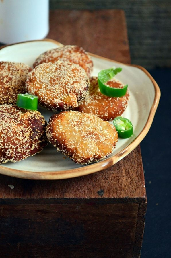 bread cutlet recipe: Very easy to make tasty and filling bread cutlet,recipe @ http://cookclickndevour.com/bread-cutlet-recipe