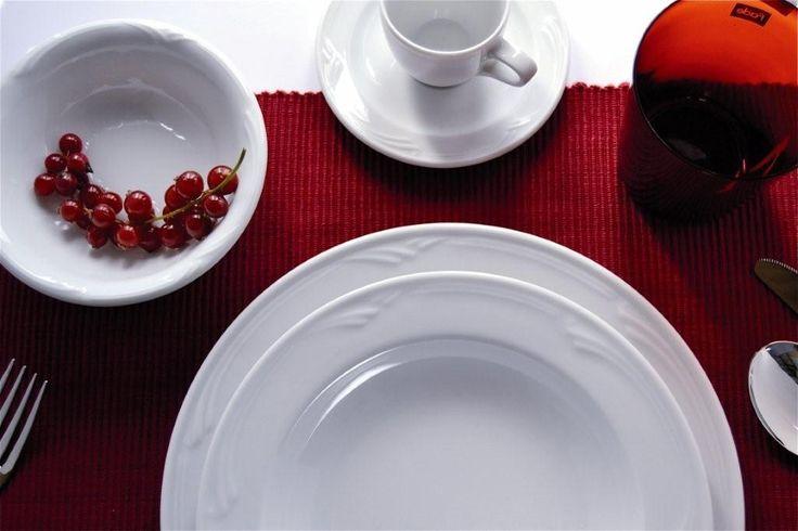 Piatti in porcellana Sintesi per la tavola di natale semplice ed elegante  www.ancap.it